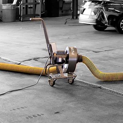 Absaugung von Fahrzeugabgasen